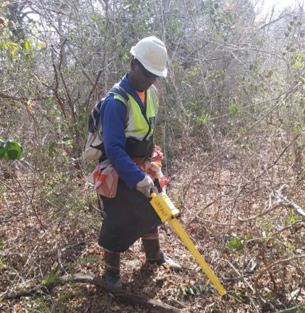 SafeLane deminer Magalhaes Mario Nihitsala working in Mozambique